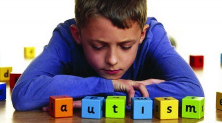 Сотни детей-аутистов не могут получить полноценное лечение в Казахстане