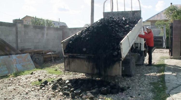 Многодетным и людям с инвалидностью бесплатно выдают уголь в Талдыкоргане
