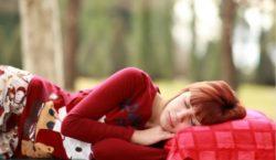 Ученые объяснили, чем опасен избыток сна