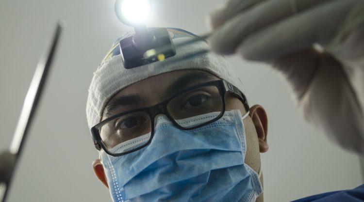 Казахстанцам посоветовали носить маски из-за эпидемии коронавируса