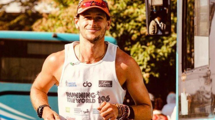 Мужчина ради больного раком друга пробежал марафоны во всех странах мира
