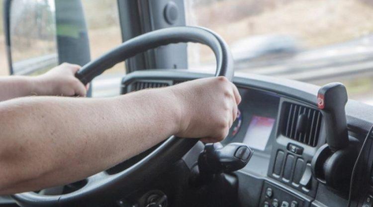В Атырау водители автобусов не знали о наличии пандусов