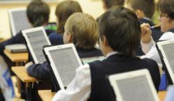 Министр образования и науки ответит на вопросы по дистанционному обучению