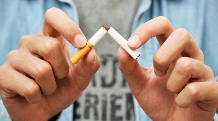 День без табака: Никогда не поздно отказаться от пагубной привычки — врач