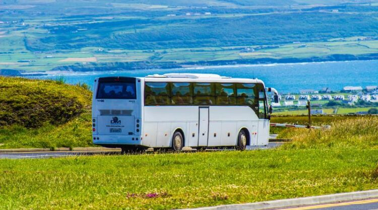 Приостанавливается пассажирское автобусное сообщение между регионами