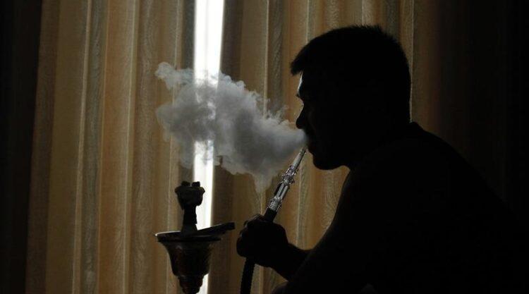 Штраф 42 тысячи: перечень запрещенных для курения мест расширили в РК