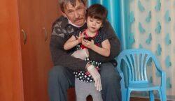 Постоялец дома престарелых в Усть-Каменогорске случайно нашёл свою внучку в…