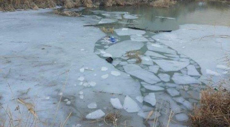 Двое детей погибли, провалившись под лед, в Жамбылской области
