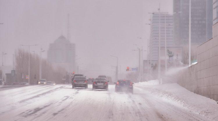 Штормовое предупреждение объявлено в шести областях Казахстана