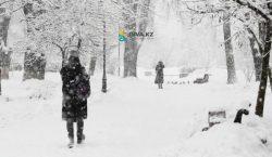 Штормовое предупреждение объявили в трех регионах Казахстана