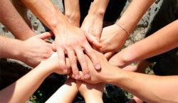 Челлендж «Тёплым словом, добрым делом» подхватили актауские студенты